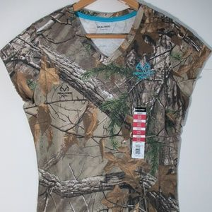 NWT REALTREE Tee Shirt T-shirt Hunting Camo V-Neck